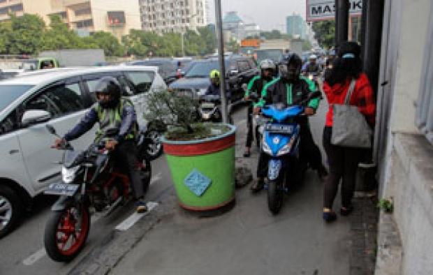 Anies Akan Cabut Larangan Sepeda Motor, Pengamat: Kemunduran