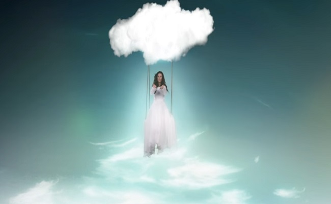 Nuevo videoclip de Laura Pausini: Sólo Nubes