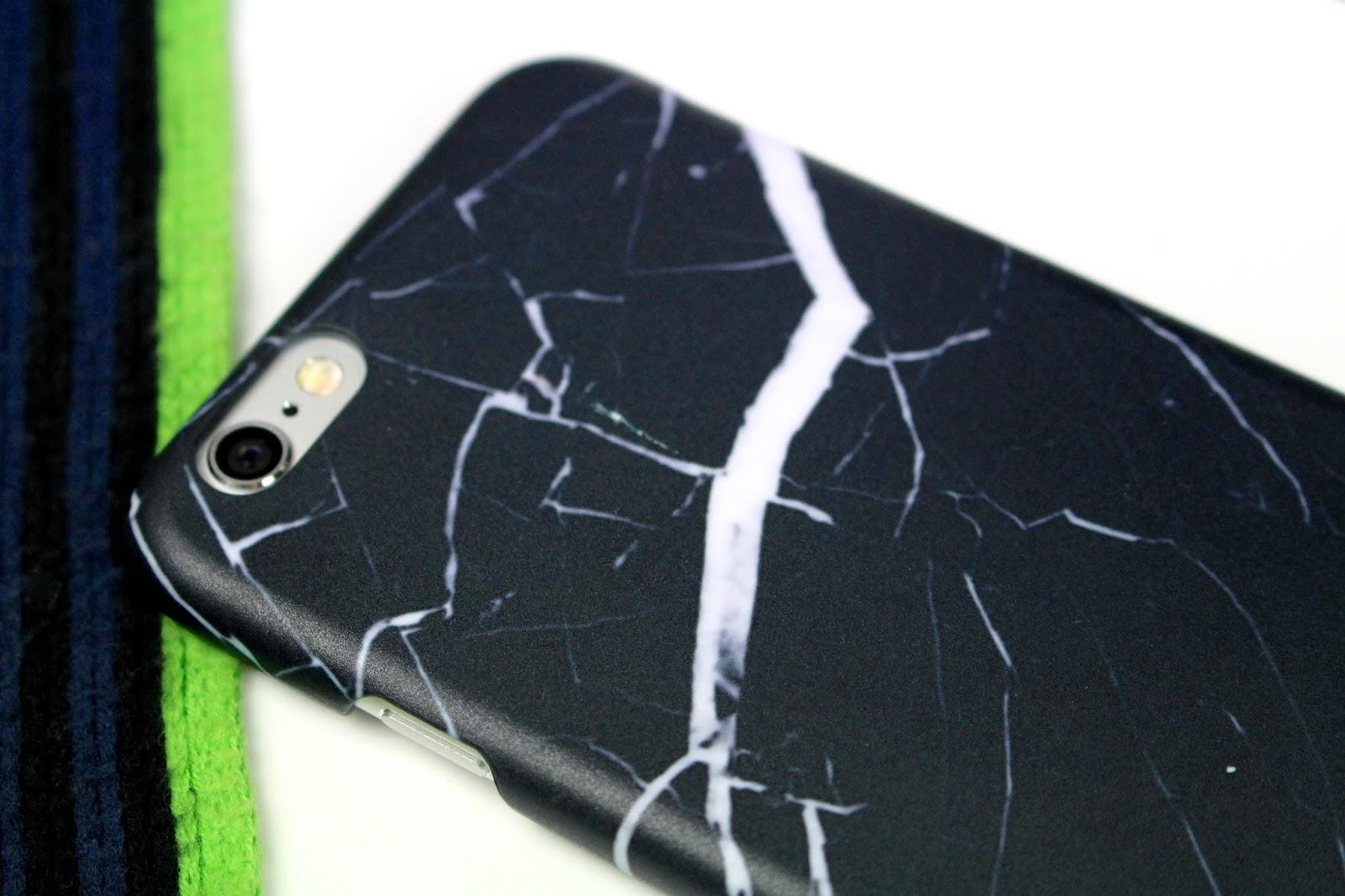 GoCustomized black marble case