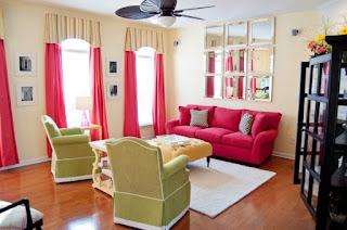 sala sillón rosa