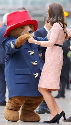 Paddington Dances With The Duchess Of Cambridge Before Coming to #SouthAfrica @SterEnt #Paddington2SA