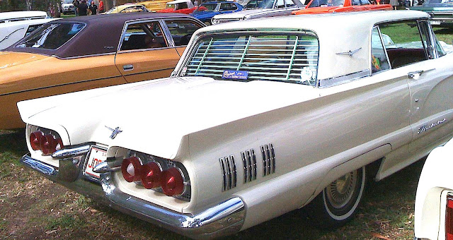 1960 4-seat thunderbird with rear closable blinds