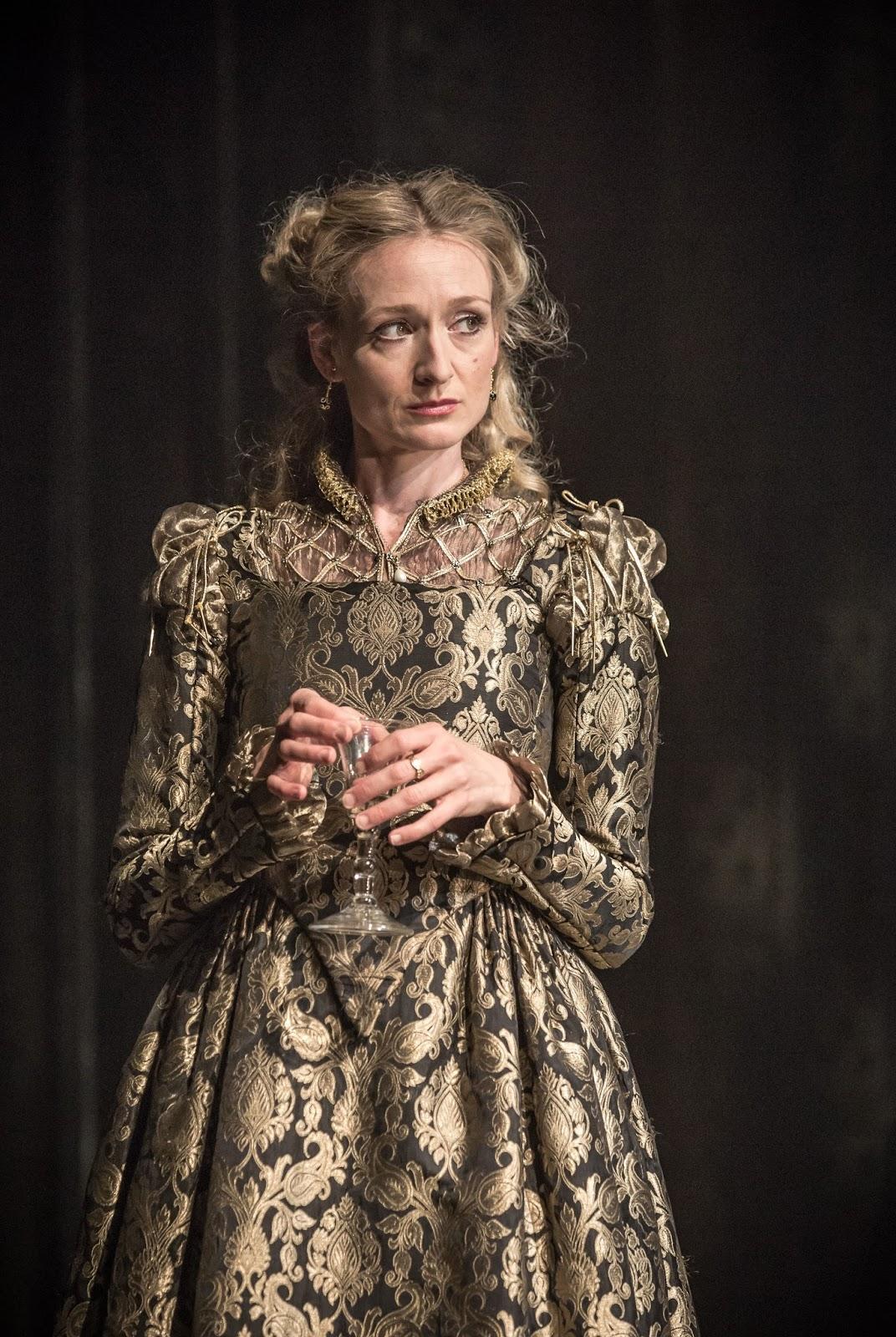 Shakespeare dress style