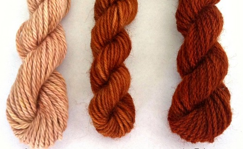 Dyed wool with onion skin