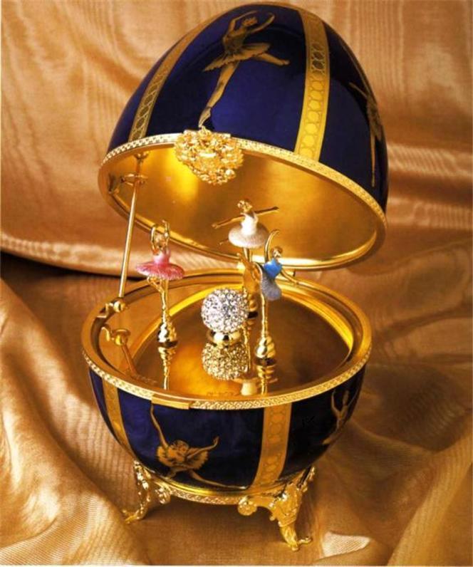 Foto de um Ovo de Fabergé - Bailarinas