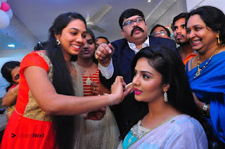 Sreemukhi Launches Manvis Saloon  0070.jpg