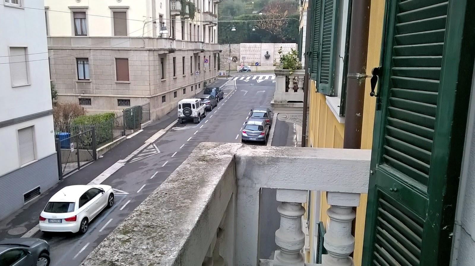 Bergamo via locatelli cerniera tra poste centrali e for Case affitto bergamo alta