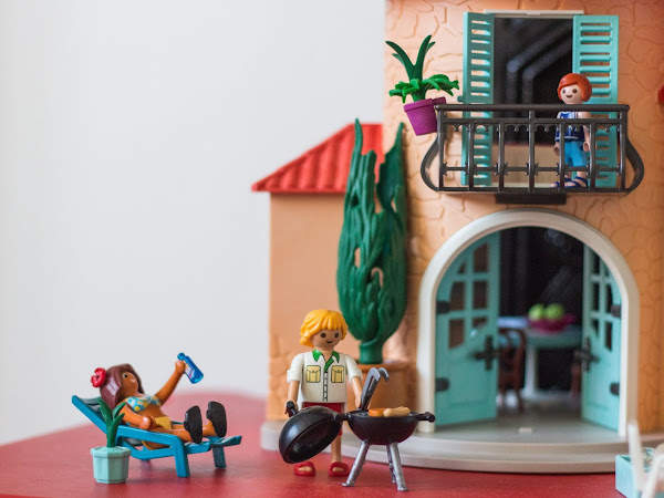 Review: PLAYMOBIL Summer Villa