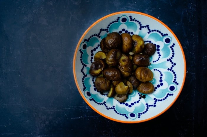 roasted and shelled chestnuts