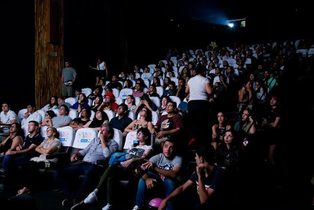 """II Morce-GO Vermelho Goiás Horror Film Festival: Sessão que incluiu o curta """"Por um Som Orgânico"""" (Fábio Purper e Edgar Franco) (Foto de divulgação Morce-GO)"""