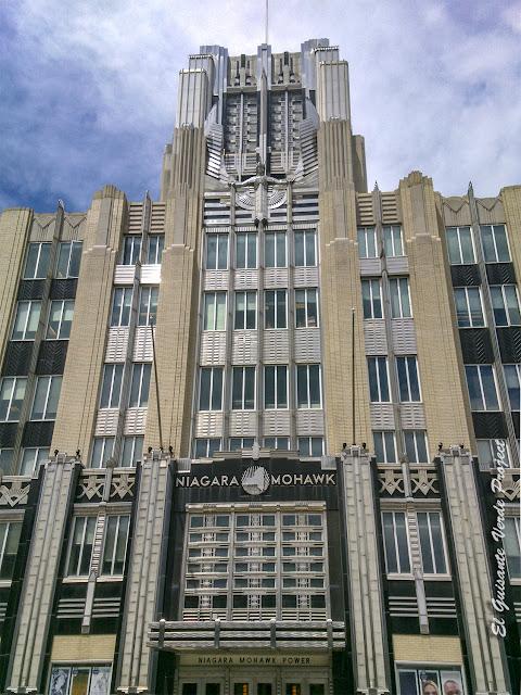 Niagara Mohawk Building, The Spirit of Light - Syracuse, NY por El Guisante Verde Project