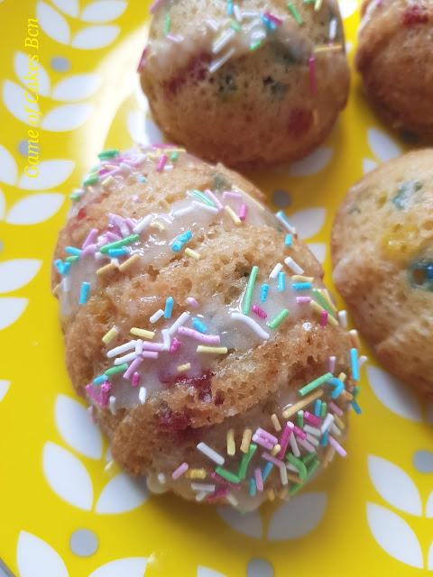 Bizcochitos funfetti huevos de Pascua