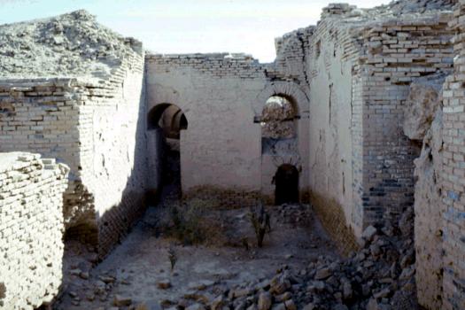 Walls of ancient Uruk, excavated