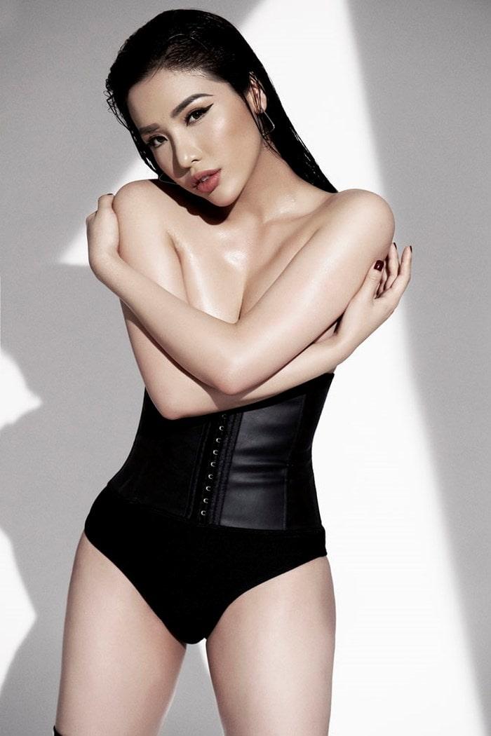 Top 25 Hoa hậu siêu Quốc gia Khánh Phương khoe đường cong hình chữ S trong bộ ảnh mới - Ảnh 7