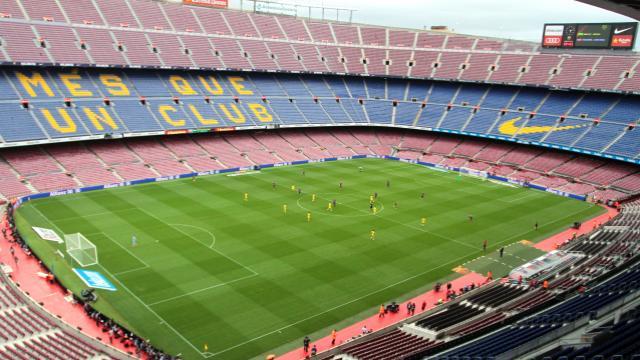 Camp Nou a puerta vacía