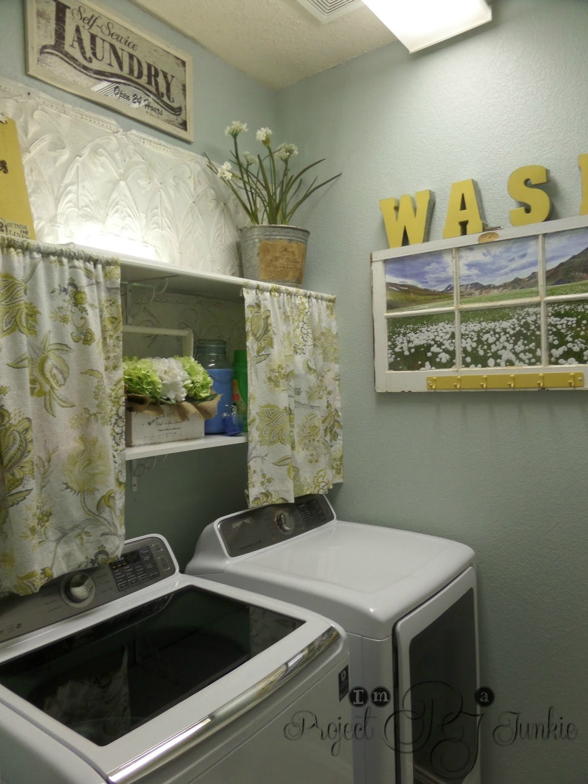Im a Project Junkie My Laundry Room Makeover