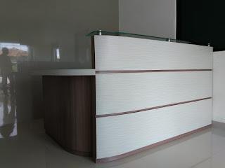 Meja Resepsionis Minimalis dan Office Furniture di Jakarta