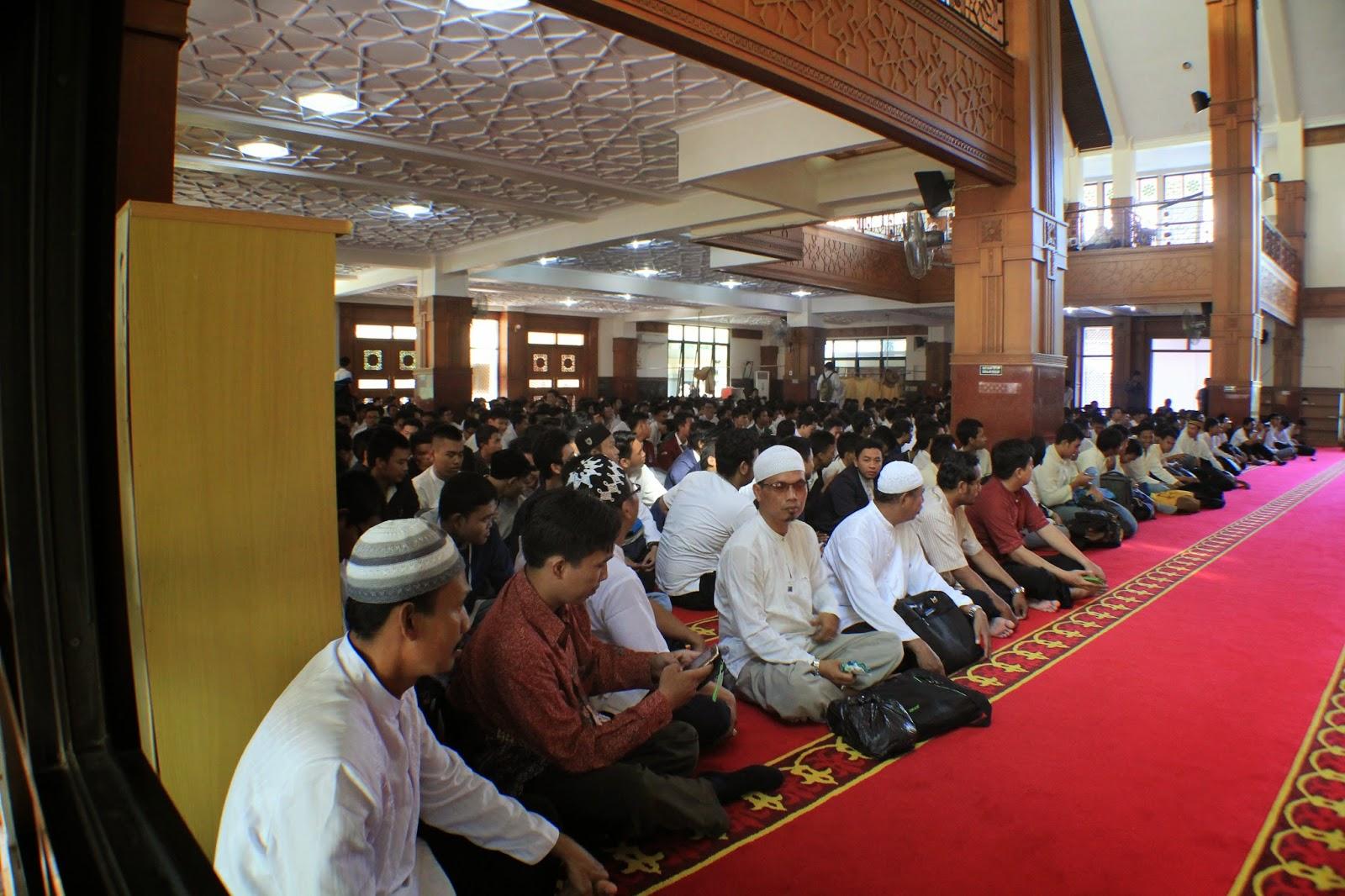 motivator islami, motivator indonesia, motivator muhasabah, trainer muhasabah, trainer islami, trainer muda, motivator termuda, motivator muda, seminar motivasi, seminar muhasabah, training motivasi, training motivasi muhasabah, pembicara motivasi, ustadz motivator