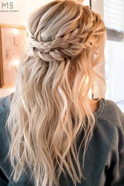 Se você gosta de penteados, mas não tem tempo de ficar fazendo coisas complicadas, vai amar essas 5 opções incríveis de peteados lindos e fáceis para usar em qualquer ocasião.