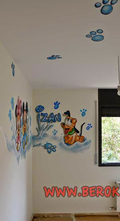 Graffitis infantiles Mickey Mouse