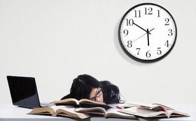 Pertimbangankan 4 Hal Ini Sebelum Memutuskan Kuliah sambil Kerja!