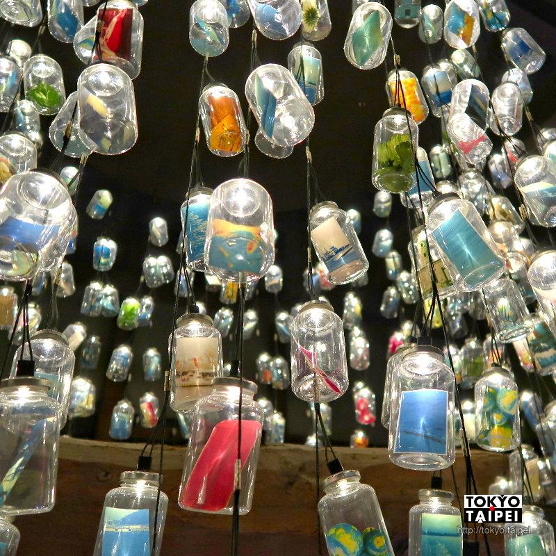 【記憶之瓶】小倉庫裡微弱燈泡 點亮乘載眾人璀璨記憶的瓶子