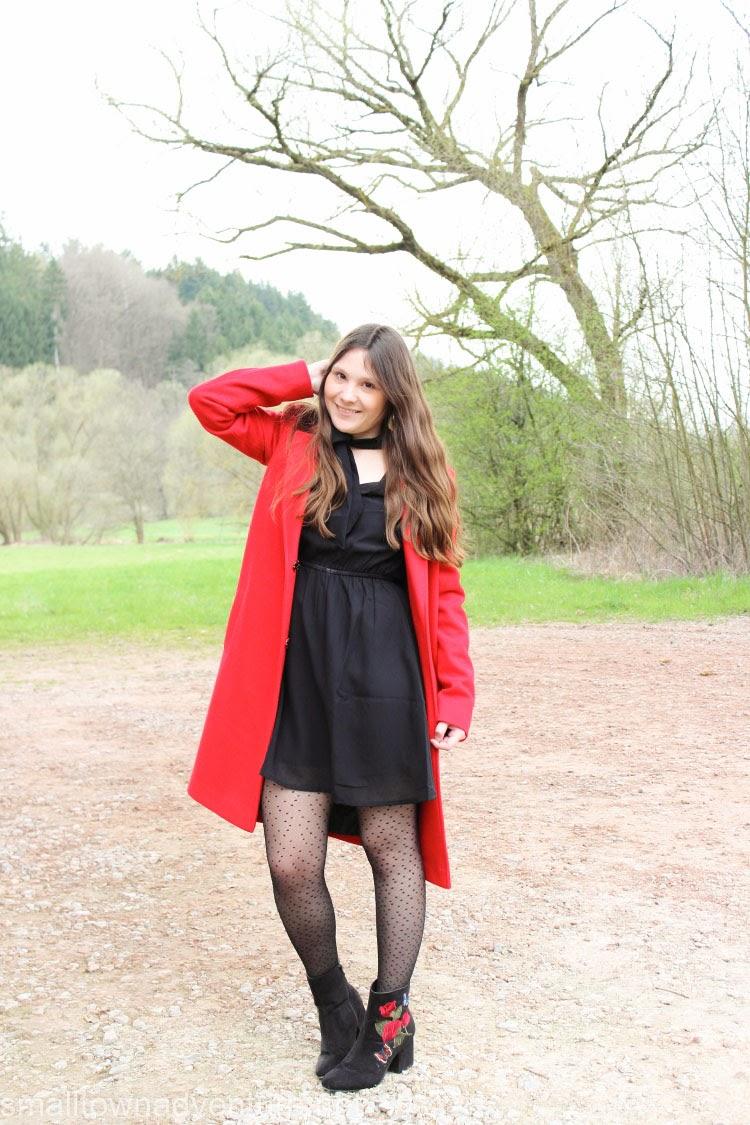 Kolumne OotD Politik, Kolumne Blogger, Outfitpost, Roter Mantel, H&M, Fashionblogger, Politische Situation Deutschland