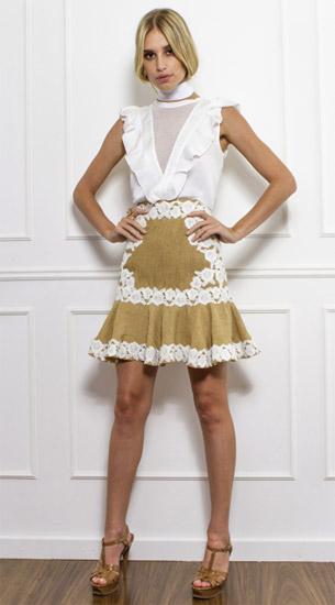 Skazi coleção verão blusa com babados e saia com detalhes em renda
