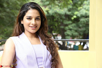 Tanya Hope in Crop top and Trousers Beautiful Pics at her Interview 13 7 2017 ~  Exclusive Celebrities Galleries 137.JPG