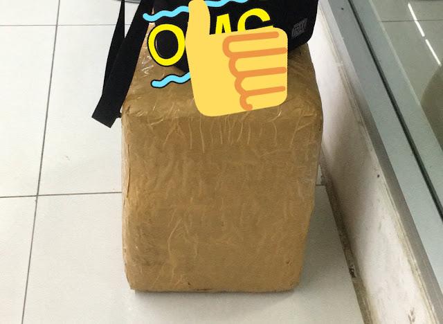 Mengambil Paket Di Warehouse JNE