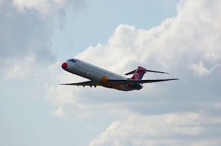 Harga Tiket Pesawat Jakarta-Surabaya Rp 4 Juta. Wow!!!