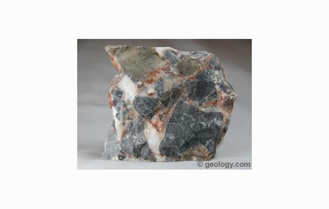 Pengertian dan Ciri Batu Breksi