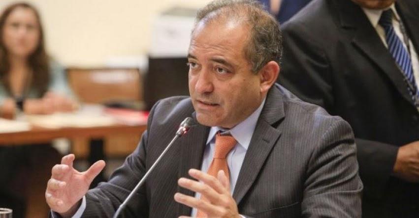 Aceptan renuncia del ministro de la Producción Daniel Córdova