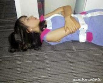 Ayana sedang tidur