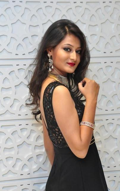 Nilofer Latest Hot Glamourous Black Transparent Skirt PhotoShoot Images