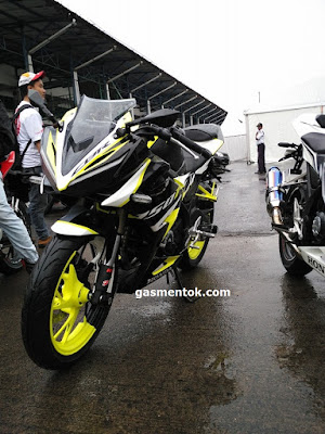 (18/02/2016) Siap bikin dompet jebol, intip aksesoris resmi AHM & Part Aftermarket Honda CBR150R facelift 2106