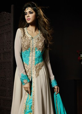 2e645300a3b Immaculate Outfits for Gorgeous Indian Woman