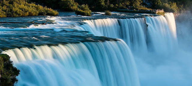 Education And Natural In Niagara Falls In Canada And United States Border