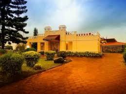 Bermalam di Hotel Indah Palace Tawangmangu