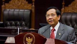 Prof. Dr. Mahfud MD, Ahli Hukum Asal Sampang Madura