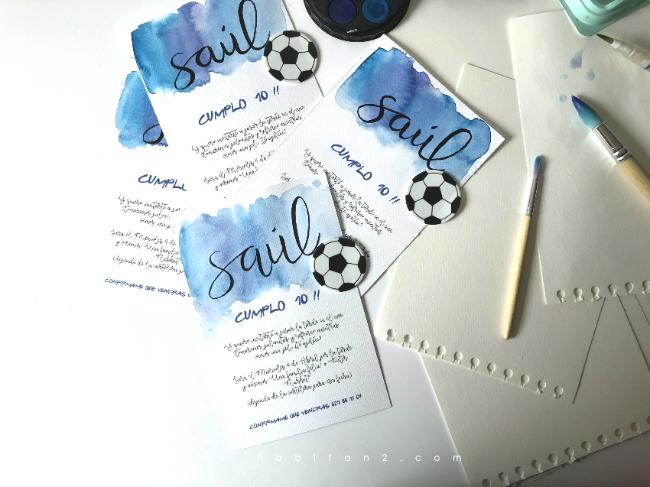 Dos cumples Saúl | Invitaciones claqueta cine y acuarela fútbol