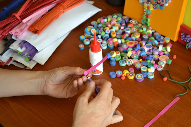 Circul Magic Making of: Colier Quilling Curcubeu Fericire