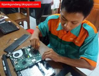 Perakitan Laptop TKJ SMK Gondang Pekalongan