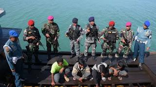 Kedapatan Selundupkan BBM, KM Agung Jaya Digerebek di Teluk Jakarta ! HUKUM SEBERAT BERAT NYA !! - Commando