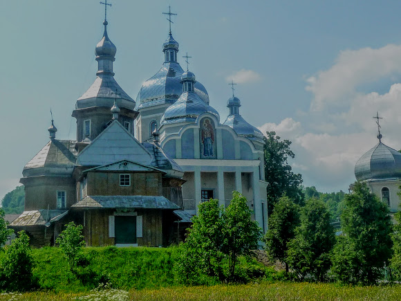 Тисів. Свято-Введенські церкви. 1783 р. і 2013 р.