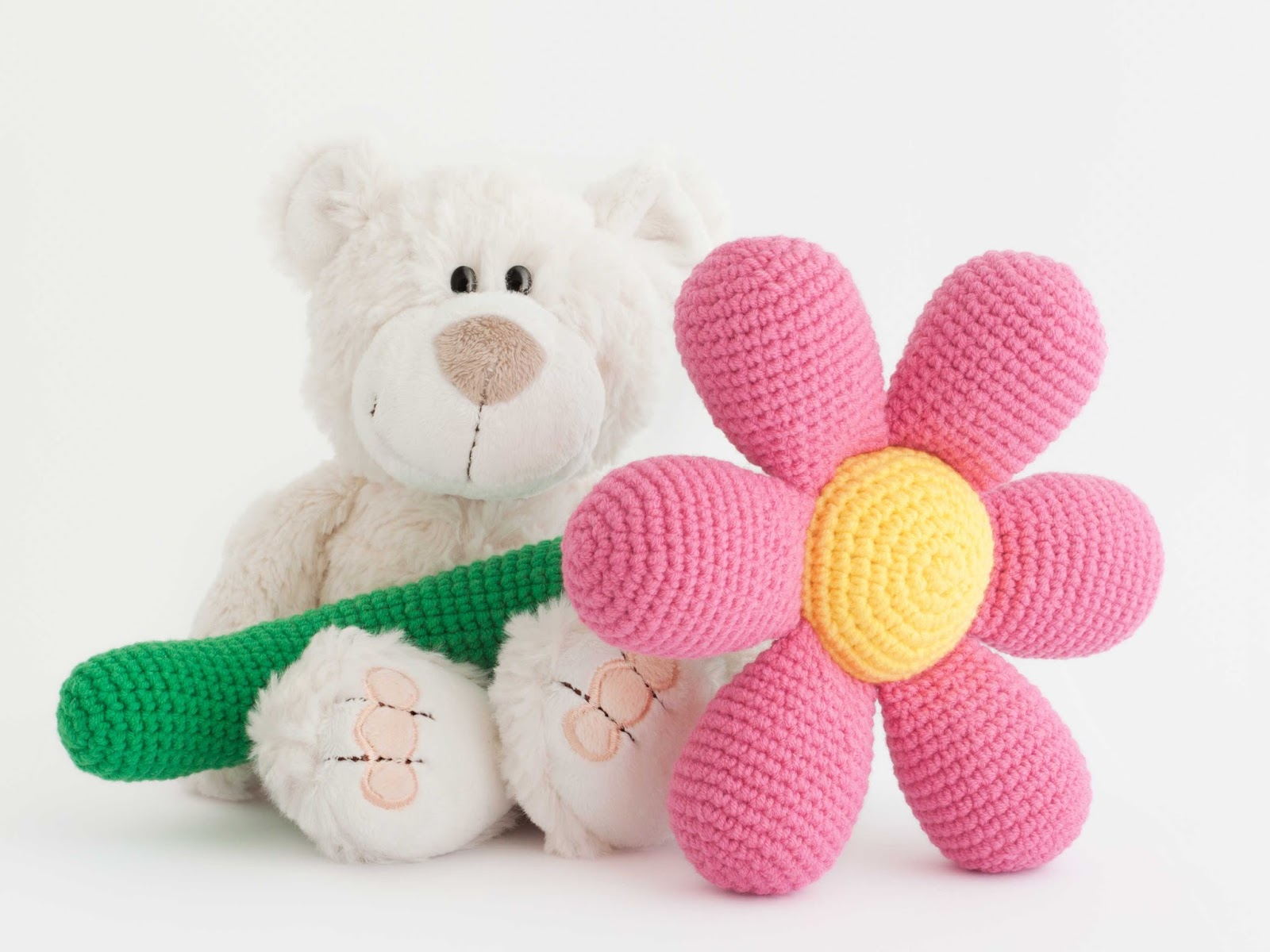 Amigurumi Blogspot : Mis PequiCosas: La primera flor...