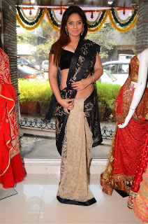 Neetu Chandra in Black Saree at Designer Sandhya Singh Store Launch Mumbai (62).jpg