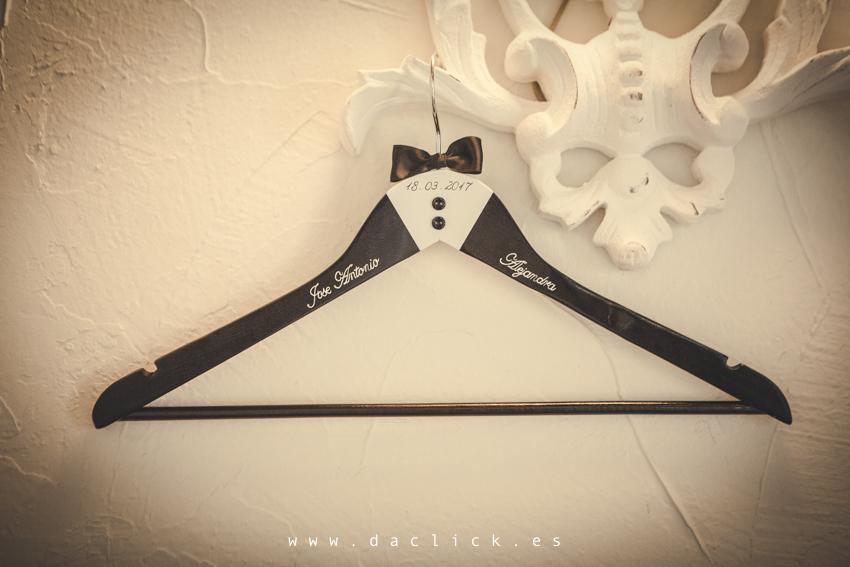 percha de boda personalizada