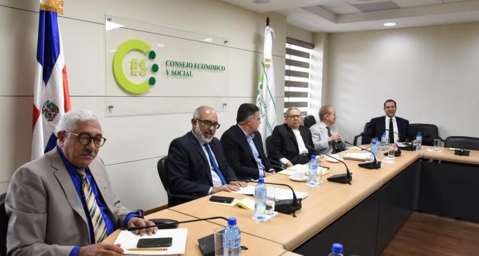 La comisión que investiga licitación de Punta Catalina se reúne hoy