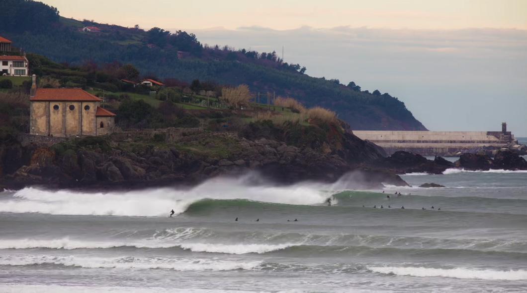 mundaka surf taldeko txapelketa